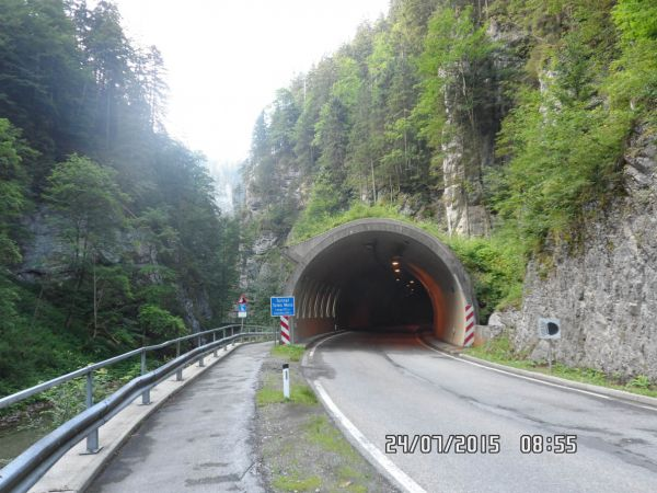 B23 Tunnel Totes Weib